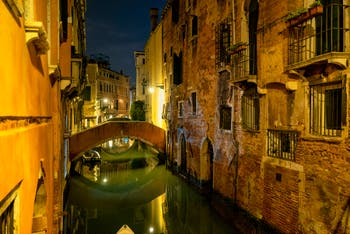 Venise by Night in November: the Ca' Widmann Canal in the Cannaregio District in Venice.