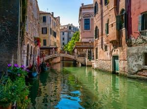Gondolas on the Santi Apostoli Canal in the Cannaregio District in Venice.