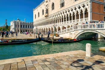 The Doge's Palace and the Straw Brigde in the Saint Mark District in Venice.