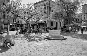 Santi Apostoli Square and wellhead in the Cannaregio District in Venice.
