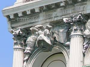 Sculpture and chapiters Palazzo Flangini