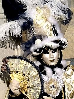 mysterious mask venice carnival