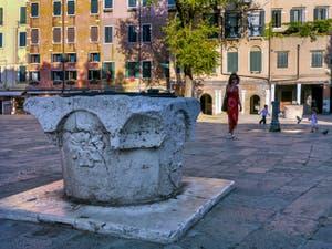 Wellhead on the Campo de Ghetto Nuovo in Venice in Italy