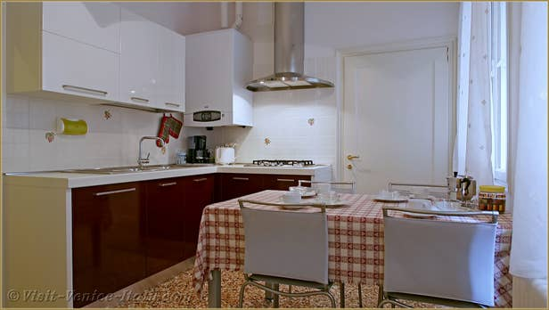 Rental Flat Venice Affresco, the kitchen