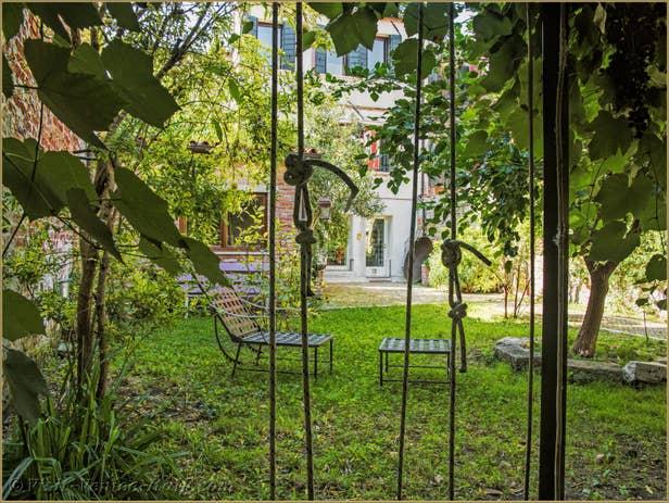 Alice Garden House Renta inl Venice , the house garden