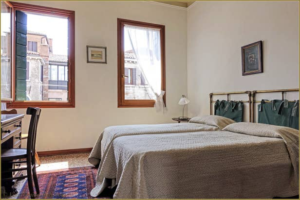 Rental Flat Greci View in Venice, first Bedroom
