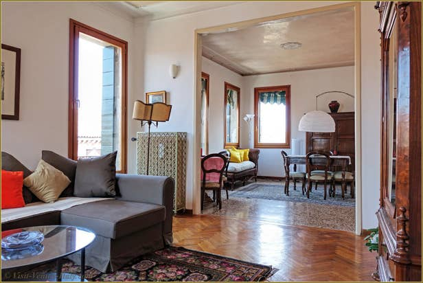 Rental Flat Greci View in Venice, lounge Dining Room