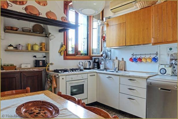 Rental Flat Greci View in Venice, Kitchen