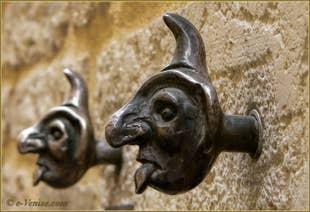 Doorbells, calle Larga San Lorenzo, Castello's district in Venice.
